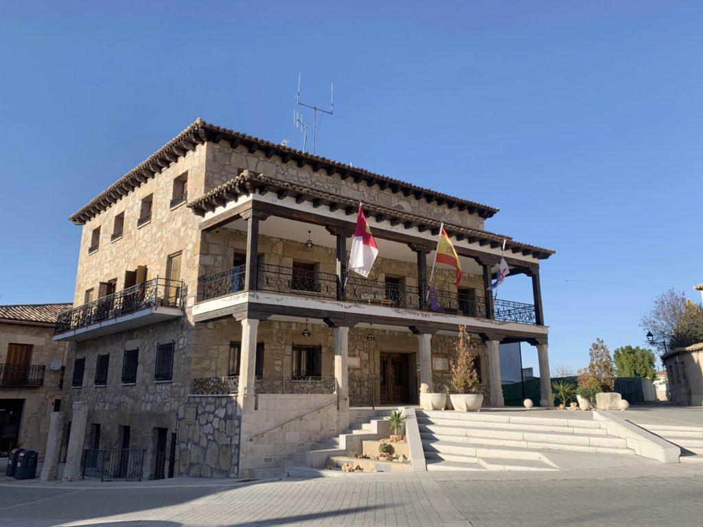 Foto de El Ayuntamiento de Almonacid apoya a los empresarios de la